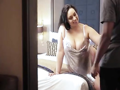 Thick hotwife gets ir creampie as hur wimp tapes