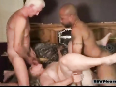 BBW pornstar Jamie Monroe takes two dicks at once