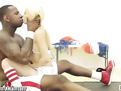 Tiny girl makes love in locker room with well-hung black guy