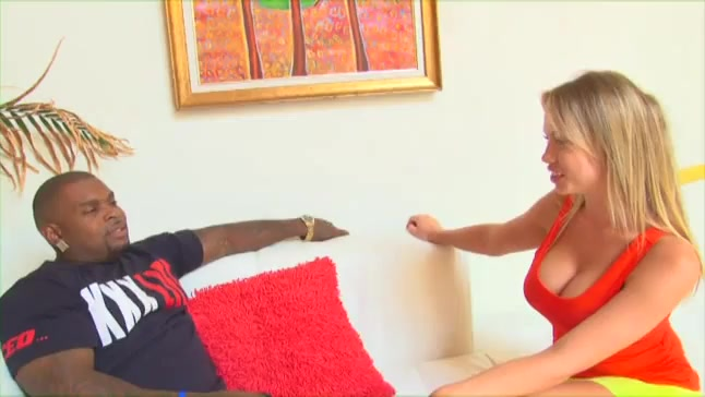Sultry blonde bitch gets bbc in her holes